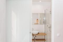 Bany reformat petit amb dutxa